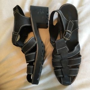 White Mountain Genuine Leather Close Toed Sandals